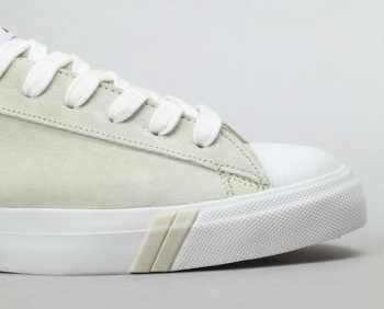 Как правильно мыть белые летние ботинки